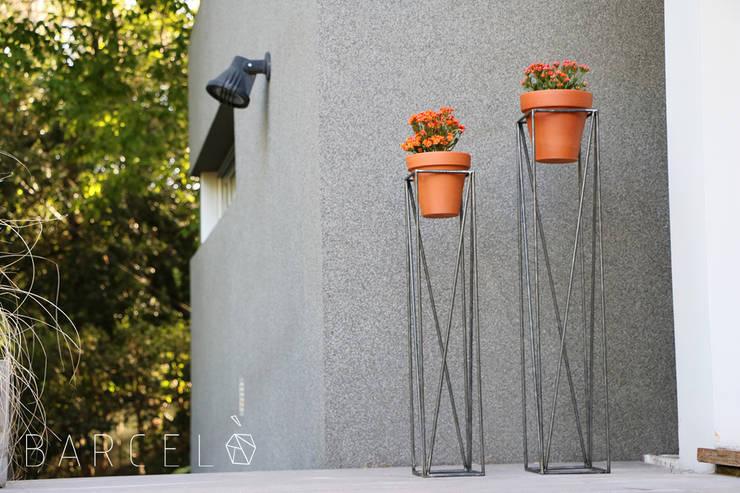 Сад  в . Автор – Barcelò. diseño en hierro,