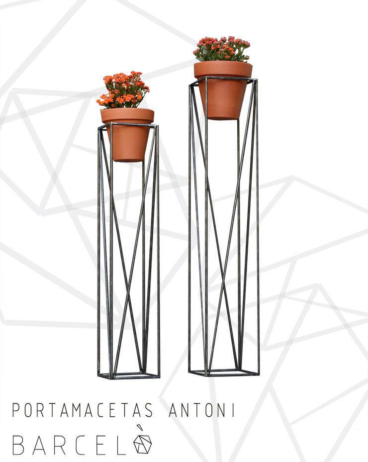 Portamaceta ANTONI:  de estilo industrial por Barcelò. diseño en hierro,Industrial Hierro/Acero