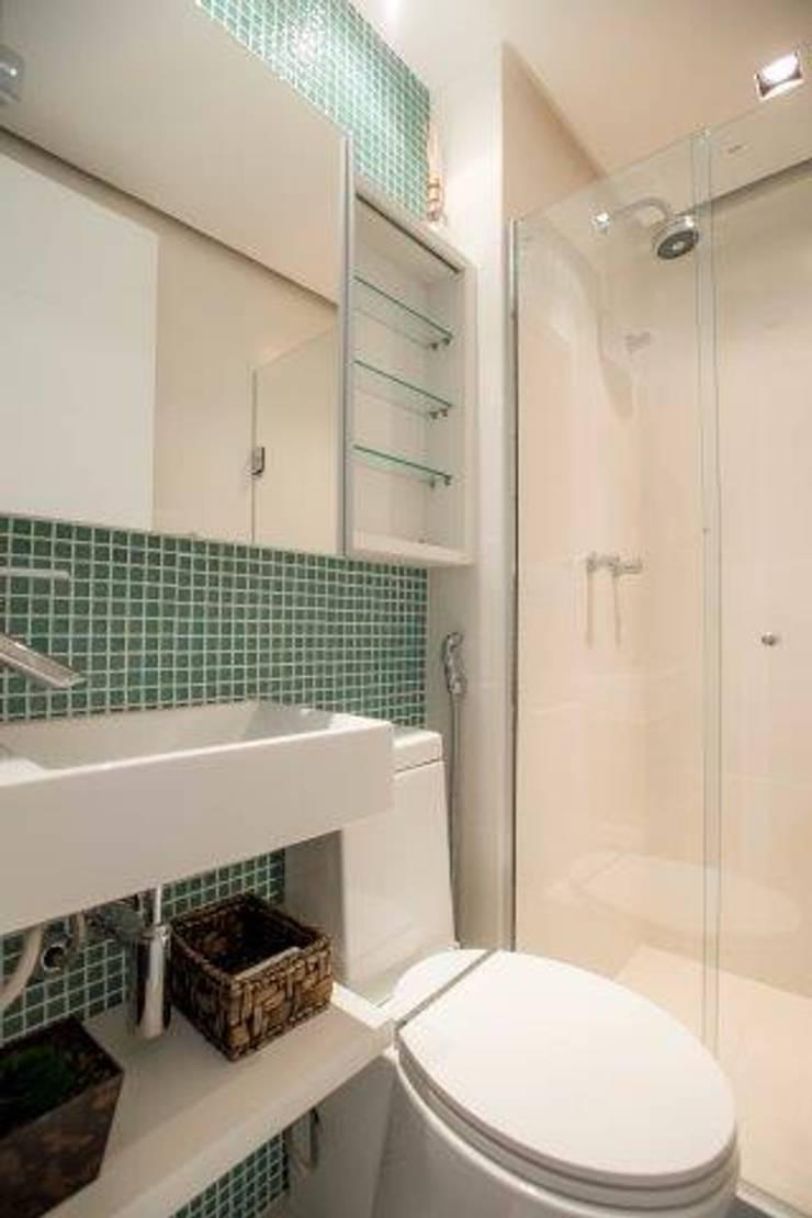 Wc: Casa de banho  por Sara Santos Arquitecta