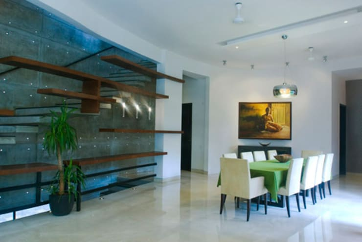 Rakesh Singh Residence:  Dining room by Sanctuary,Modern