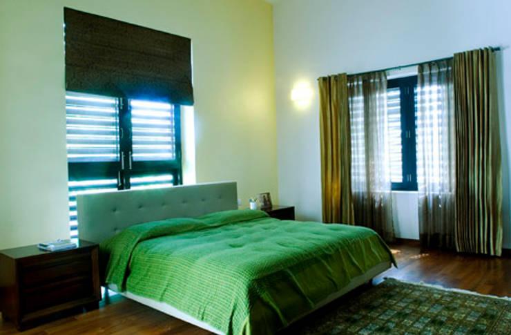 Rakesh Singh Residence:  Bedroom by Sanctuary,Modern