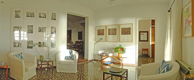 Maisons de style de style Rustique par C/Pou, 30 bajos
