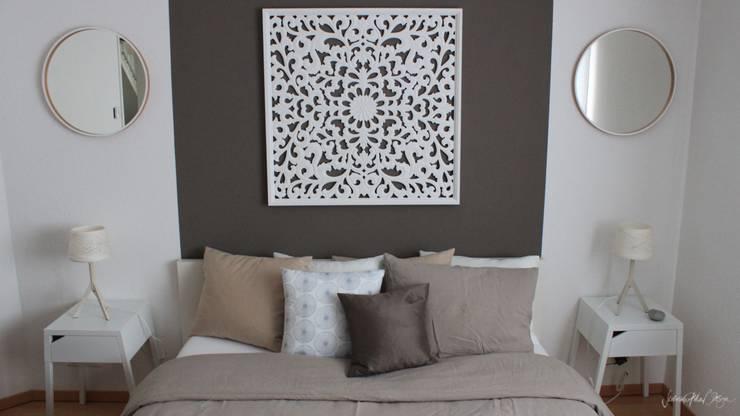 chic and feminine apartment Zurich:  de style  par Severine Piller Design LLC