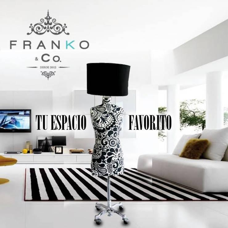 Lámpara Maniquí Black & White Flowers: Salas de estilo  por Franko & Co.