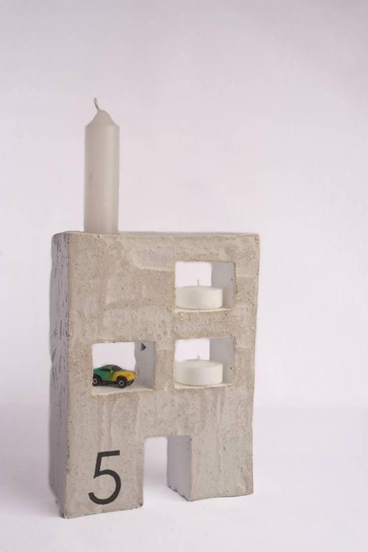 Porta velas: Hogar de estilo  por EssE deconcreto