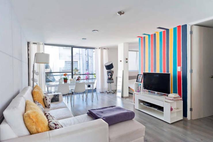 Salas de entretenimiento de estilo moderno por Franko & Co.