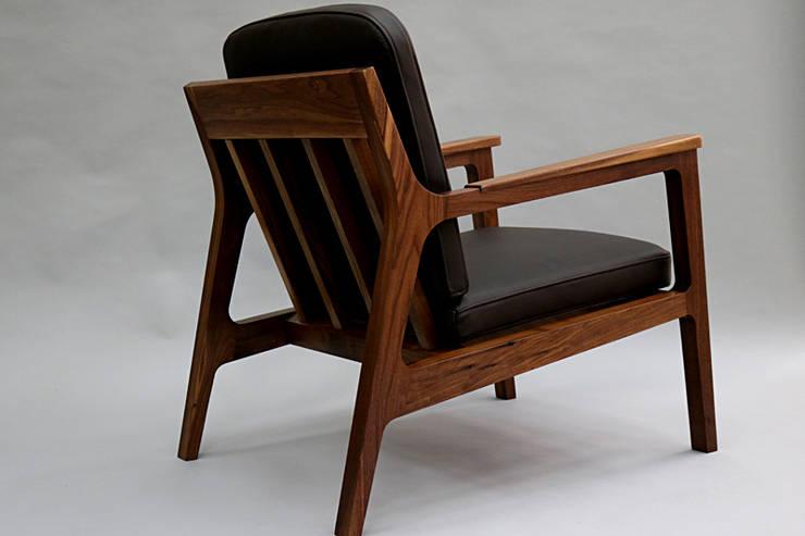 lounge chair 1인용소파: 데이너퍼니쳐의  거실