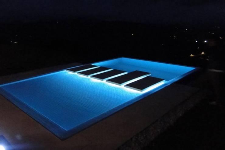 CASA BARRENECHE: Casas de estilo  por LIGHTEN, Minimalista