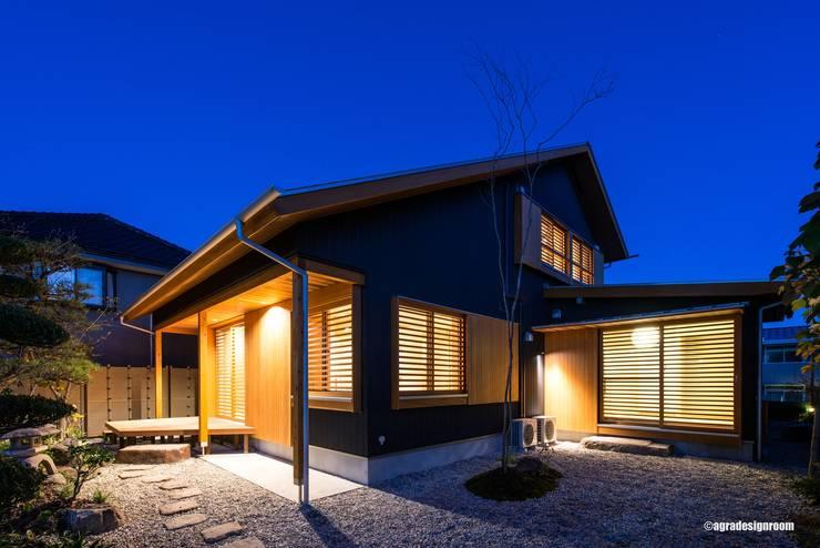 Casas de estilo  por アグラ設計室一級建築士事務所 agra design room