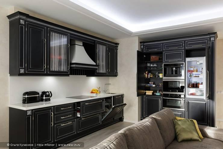 Квартира с террасой «Черное золото»: Кухни в . Автор – Ольга Кулекина - New Interior