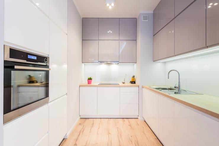 Mieszkanie na warszawskim Mokotowie: styl , w kategorii Kuchnia zaprojektowany przez Michał Młynarczyk Fotograf Wnętrz