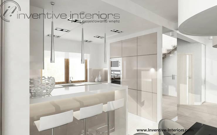 Jasna kuchnia: styl , w kategorii Kuchnia zaprojektowany przez Inventive Interiors,Nowoczesny