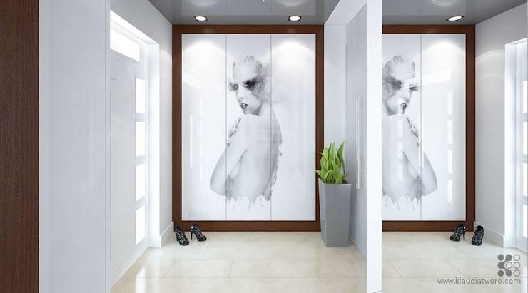 Dom w podwarszawskich Jankach: styl , w kategorii Korytarz, przedpokój zaprojektowany przez Klaudia Tworo Projektowanie Wnętrz Sp. z o.o.