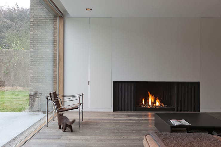 Lareiras Metalfire - Urban Gás (Sem Vidro): Salas de estar  por Biojaq - Comércio e Distribuição de Recuperadores de Calor Lda