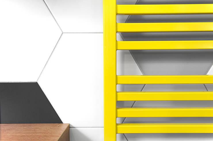Detal - żółty grzejnik: styl , w kategorii  zaprojektowany przez DoMilimetra