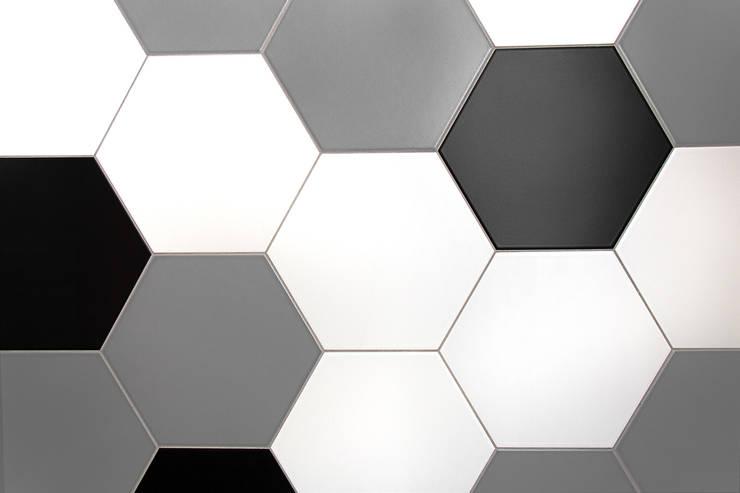 Detal - płytki heksagony: styl , w kategorii  zaprojektowany przez DoMilimetra