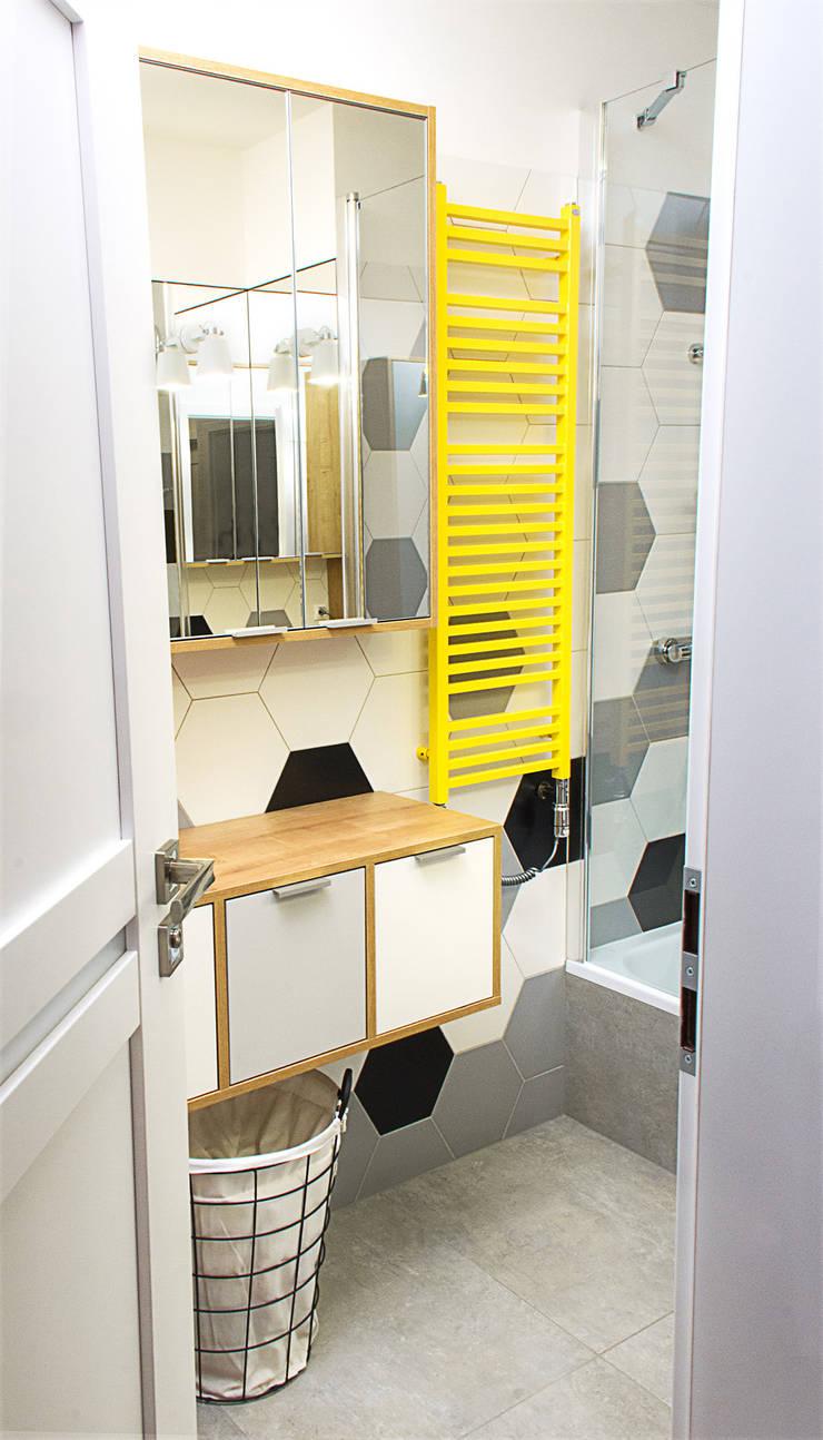 Łazienka - wejście: styl , w kategorii  zaprojektowany przez DoMilimetra