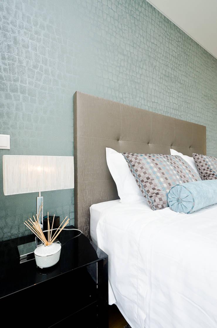Private Interior Design Project – Albufeira: Quarto  por Simple Taste Interiors
