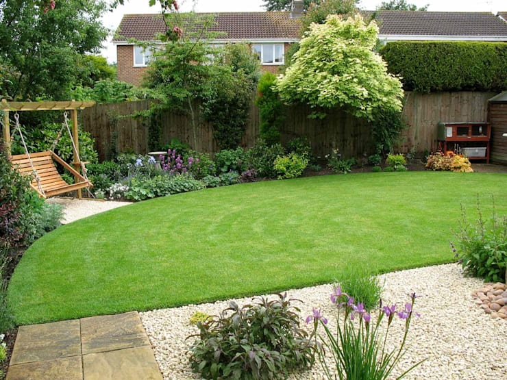 The back garden:  Garden by Jane Harries Garden Designs,