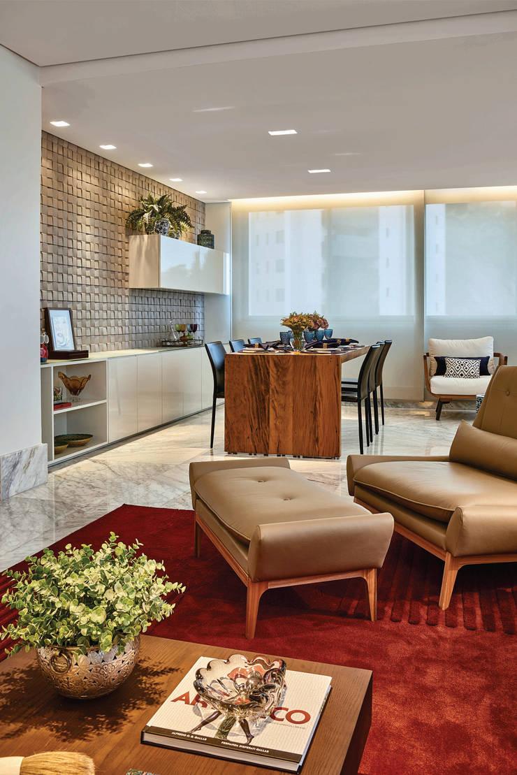 Apartamento .CB: Salas de estar  por Amis Arquitetura & Design