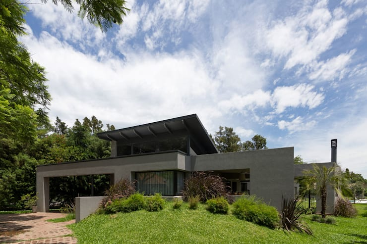 Houses by ARRILLAGA&PAROLA
