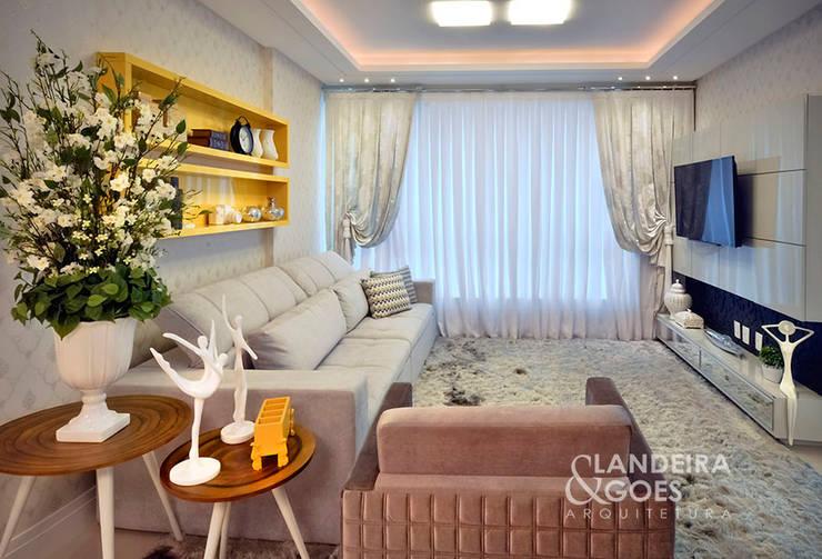 Apartamento Decorado – Itapema/SC: Salas de estar  por Landeira & Goes Arquitetura,Moderno