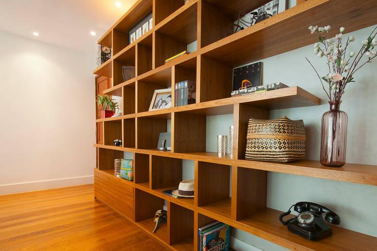 Salas de estilo  por Egg. Interiores