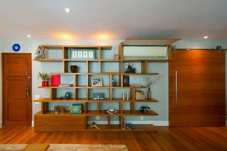 Estante cada coisa em seu lugar - ABERTA: Sala de estar  por Egg. Interiores