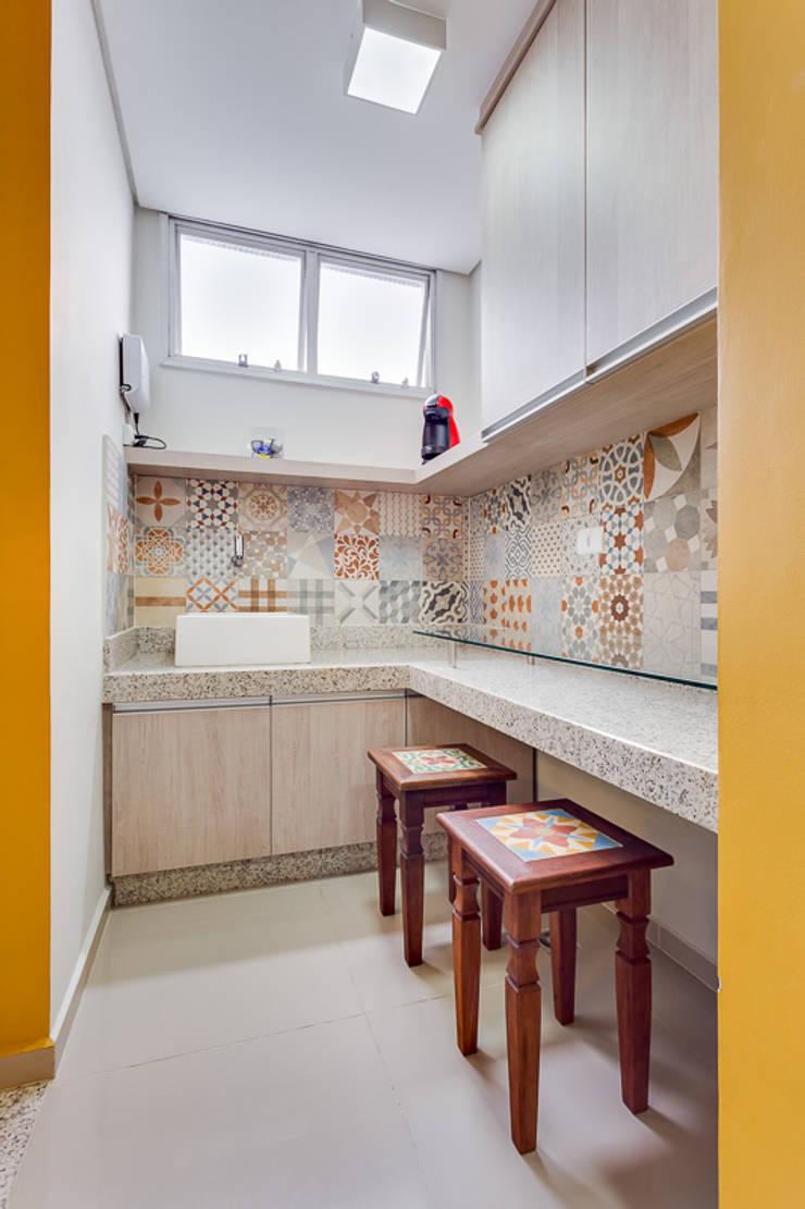 CN: Espaços comerciais  por Angelica Pecego Arquitetura