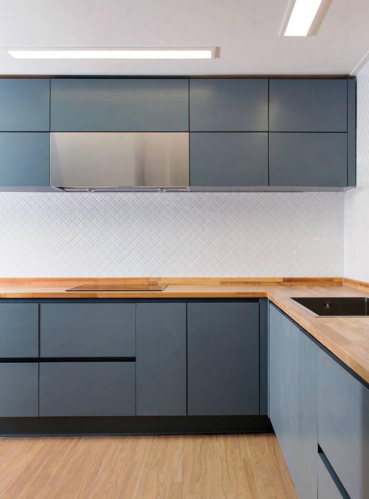 Kitchen products _ minimal style : 목소리의  주방,