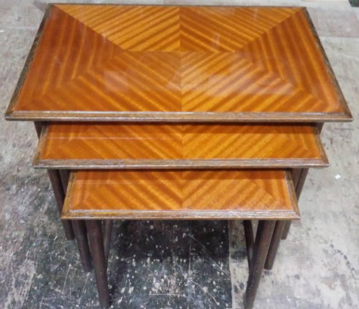 ネストテーブル: 二輪草家具が手掛けたリビングルームです。