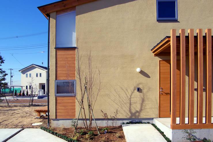 Maisons de style  par 環境創作室杉