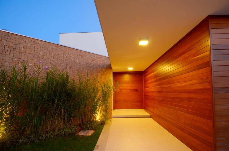 Residência RR: Casas  por Cabral Arquitetura Ltda.