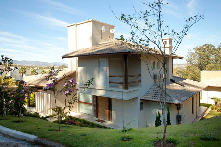 Casas de estilo  por Samy & Ricky Arquitetura