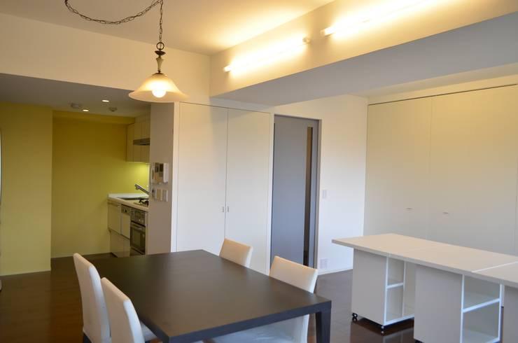 LDK: Unico design一級建築士事務所が手掛けたリビングです。