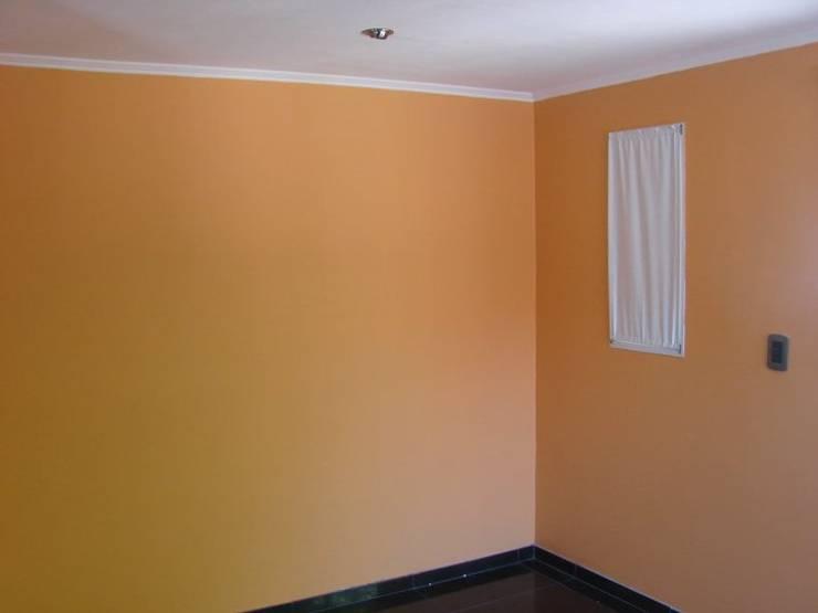 Chambre de style  par CubiK, Moderne