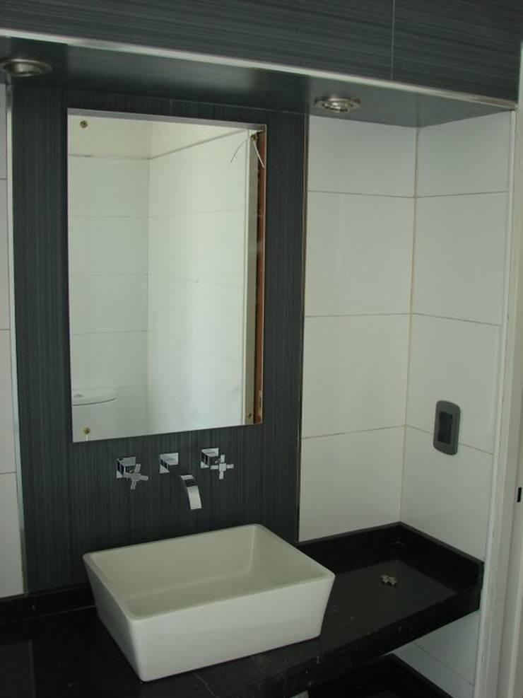 Bathroom by CubiK