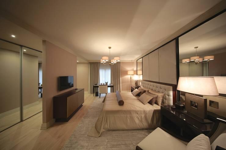 Kerim Çarmıklı İç Mimarlık – TEKNİK YAPI ÖRNEK DAİRE: modern tarz Yatak Odası