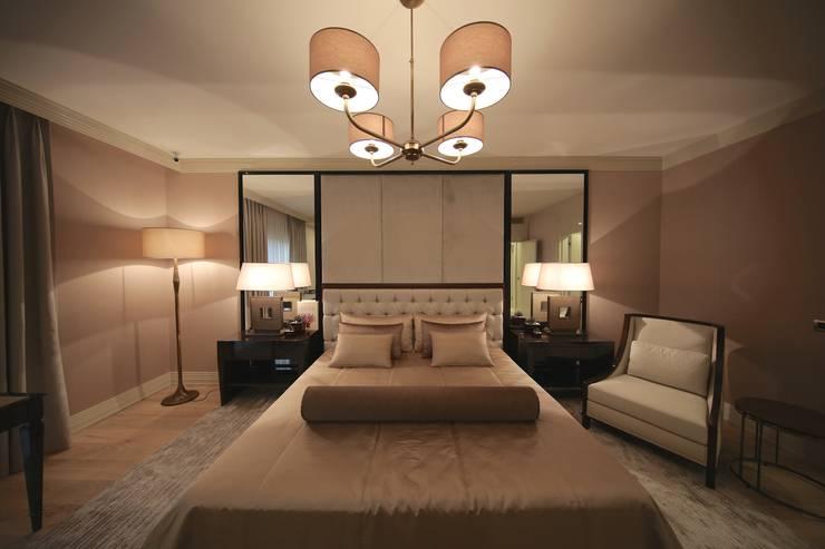 Kerim Çarmıklı İç Mimarlık – TEKNİK YAPI ÖRNEK DAİRE:  tarz Yatak Odası