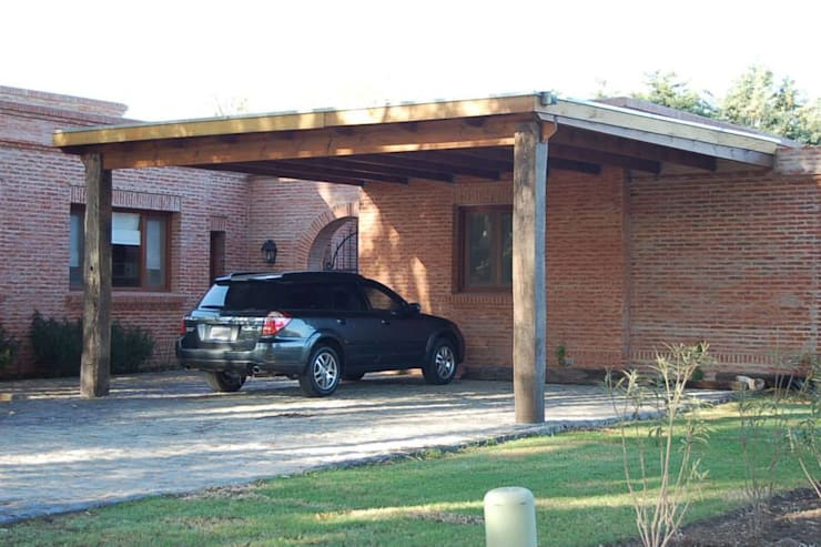 modern Garage/shed by Aulet & Yaregui Arquitectos