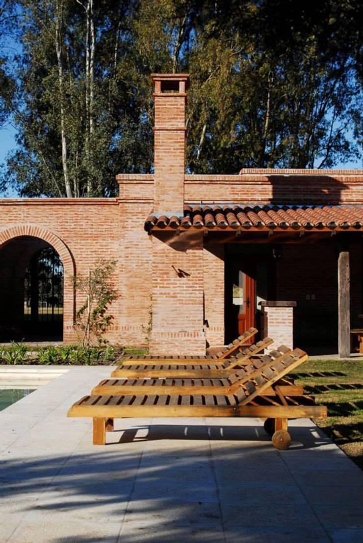 Casa Dodero: Casas de estilo  por Aulet & Yaregui Arquitectos,Moderno