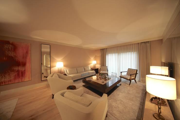 Kerim Çarmıklı İç Mimarlık – TEKNİK YAPI ÖRNEK DAİRE:  tarz Oturma Odası