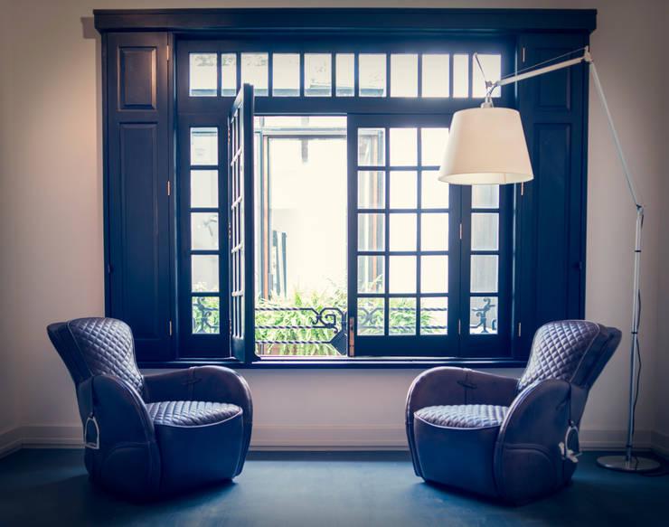CASA EN HIPÓDROMO CONDESA: Estudios y oficinas de estilo moderno por TW/A Architectural Group