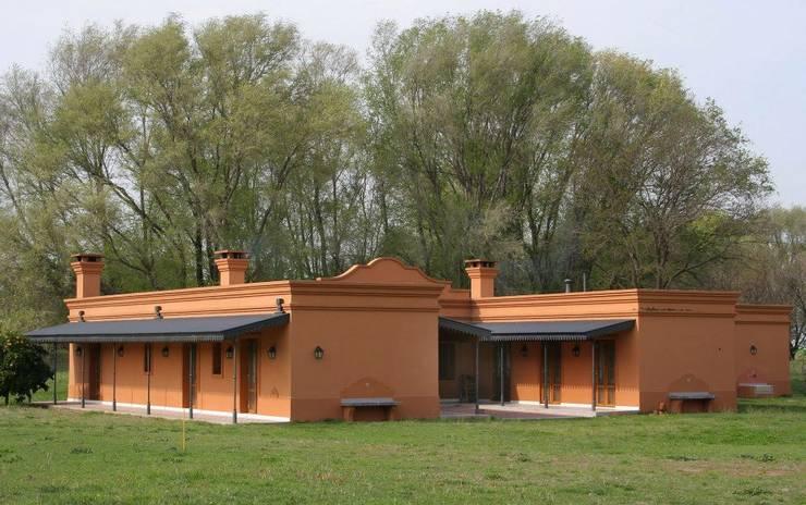 Loo Mapu Casas rurales de Aulet & Yaregui Arquitectos Rural