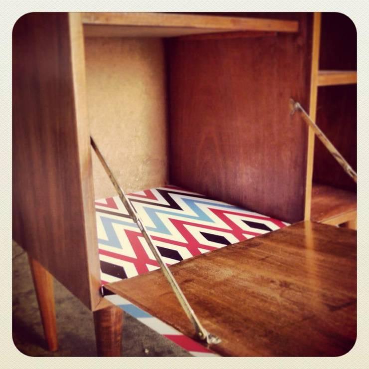 ReStyling móvel bar Vintage: Casa  por Retro Wood