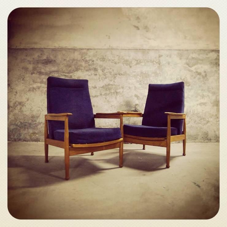 60´s Guy Rogers Reclinable Easy Chairs: Casa  por Retro Wood
