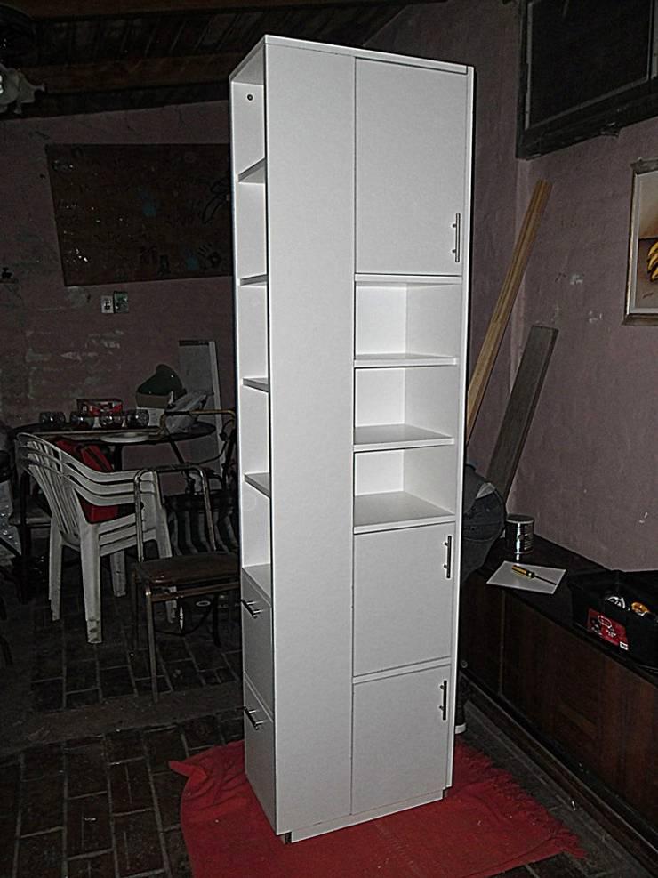 Mueble esquinero: Comedores de estilo  por ZT . Diseño de mobiliario