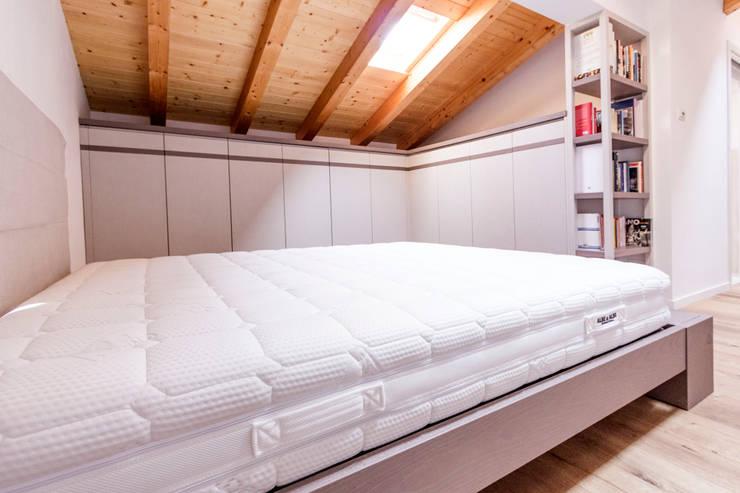 Dormitorios de estilo escandinavo de Galleria del Vento