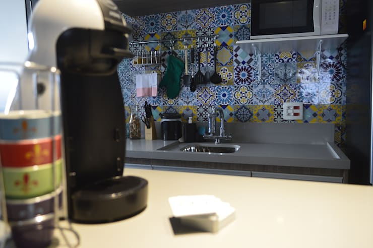 Cozinha: Cozinhas  por Zappa e Oliveira Arquitetura e Interiores