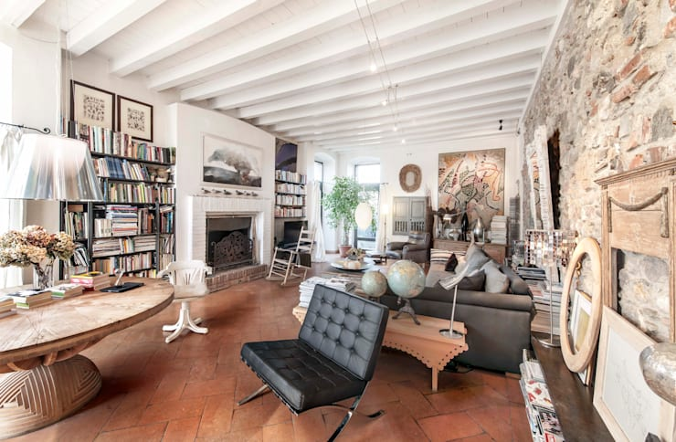 Ruang Keluarga by Studio Maggiore Architettura